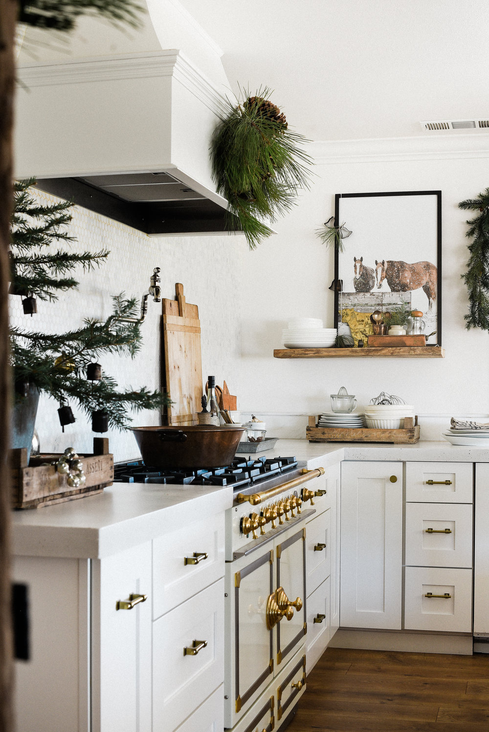 Kitchen decorating ideas Cabinets Minimalistic Christmas Kitchen Decor Ideas From Boxwoodavenuecom christmasdecor christmaskitchen Boxwood Avenue Farmhouse Christmas Decorating Ideas Our Christmas Kitchen