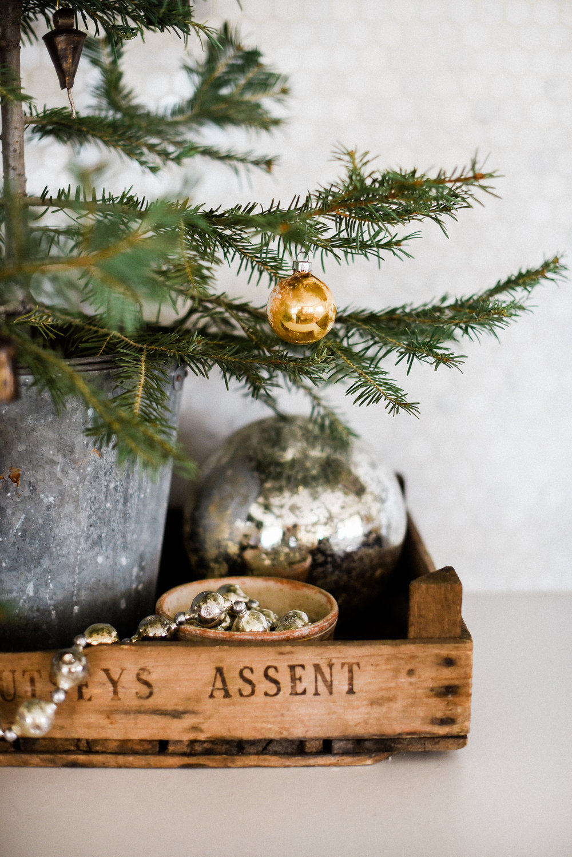 Vintage farmhouse Christmas decorating ideas from boxwoodavenue.com   #christmasdecor #farmhousechristmas