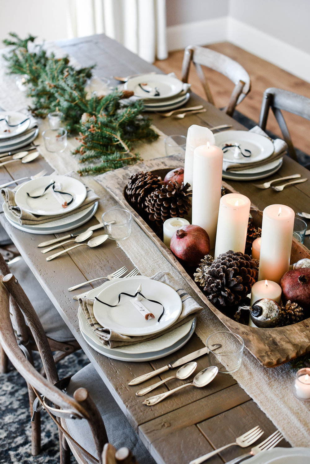 Formal Christmas table with farmhouse style | boxwoodavenue.com #christmasdecor #farmhousechristmas