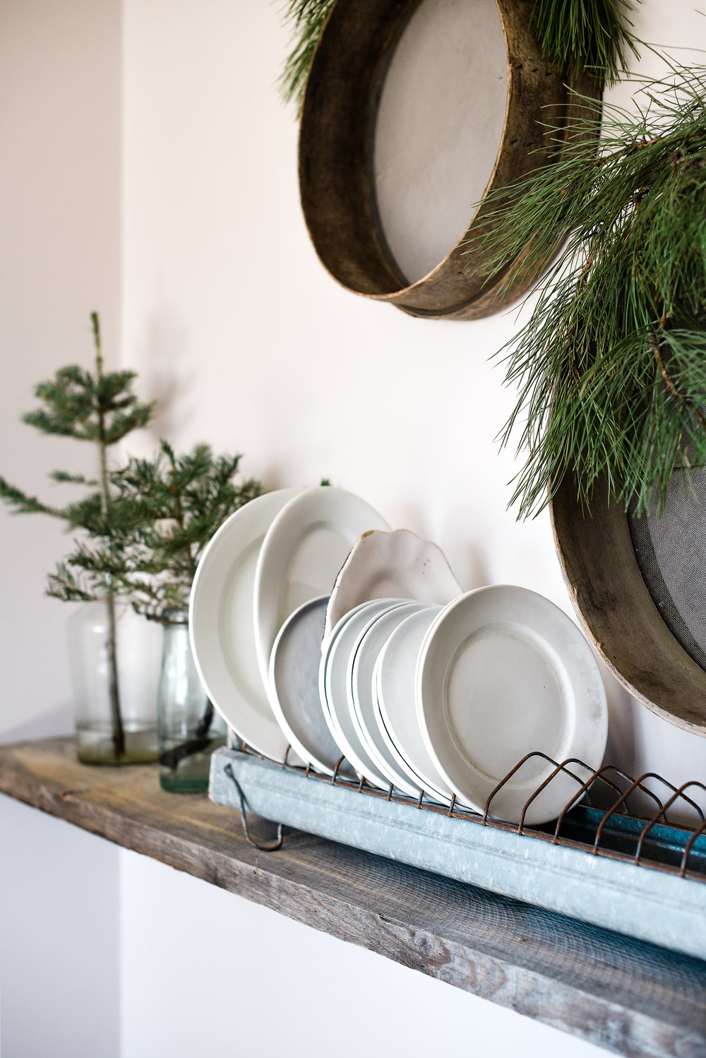 Farmhouse Christmas ironstone flea market style | boxwoodavenue.com #christmasdecor #farmhousechristmas