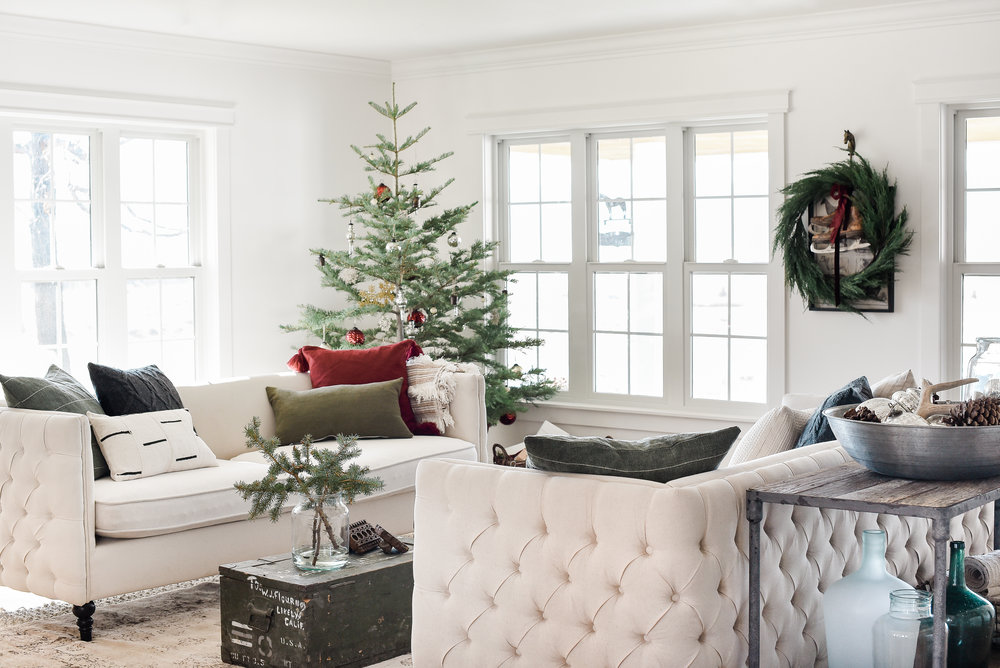 Beautiful Farmhouse Christmas Decor With Vintage Christmas Decorations On  Minimal Live Tree From Boxwoodavenue.com