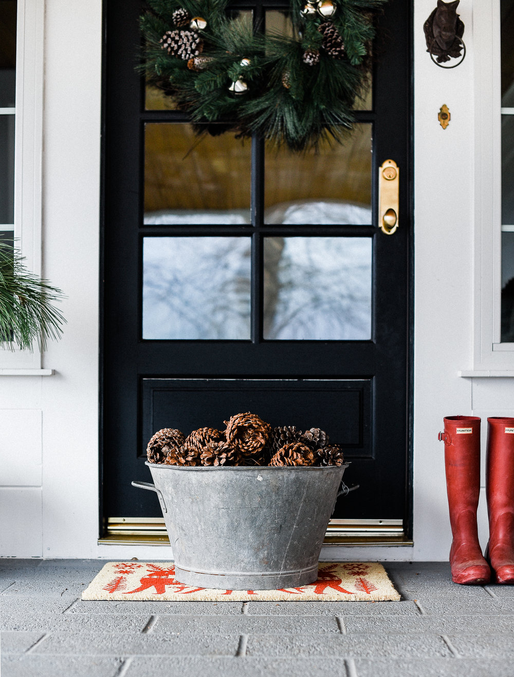 Christmas front porch ideas from boxwoodavenue.com #christmasdecor #farmhousechristmas