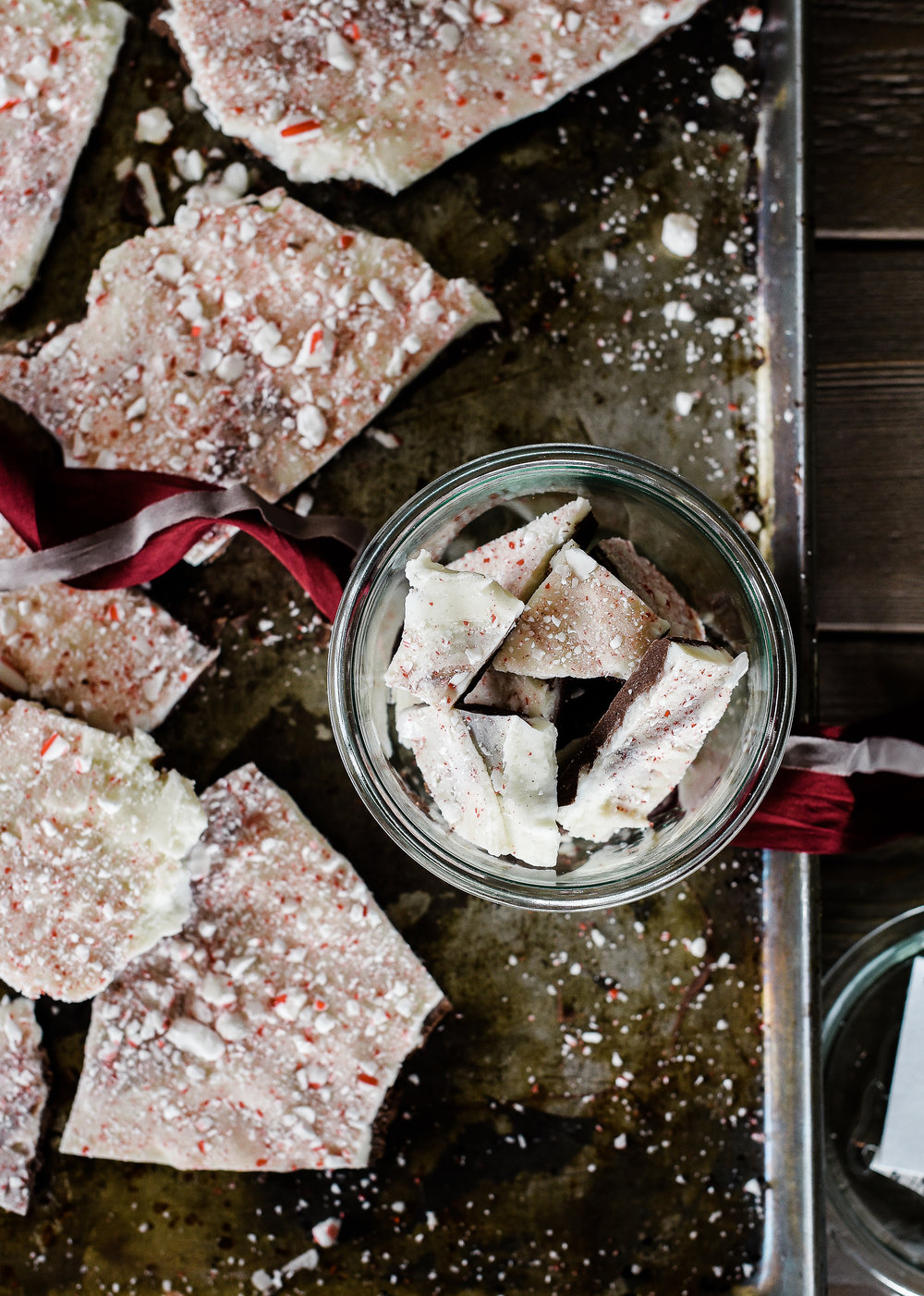Make this homemade peppermint bark this holiday season as an easy Christmas treat or DIY Christmas gift! boxwoodavenue.com #christmasbaking #ediblechristmasgift