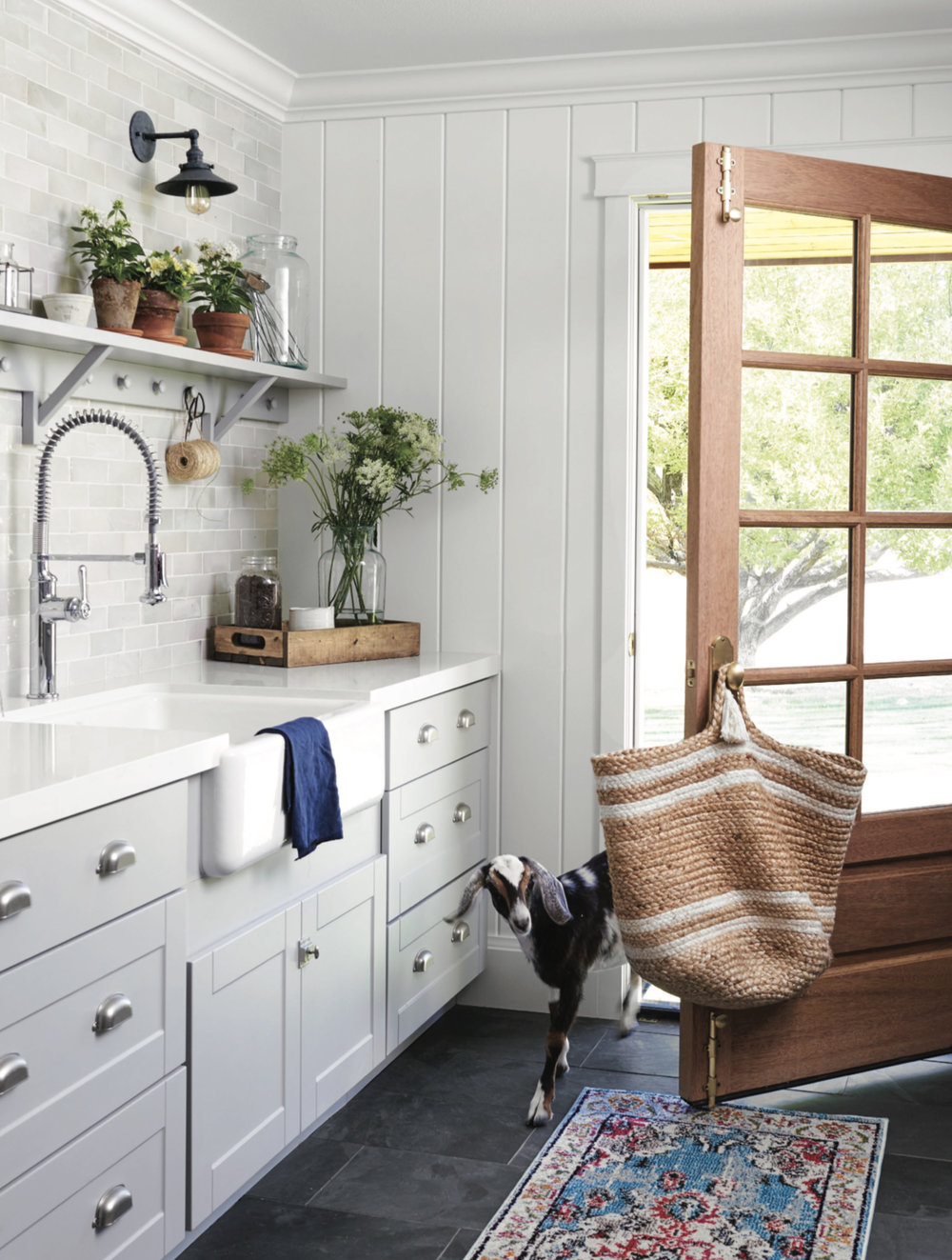 Farmhouse+laundry+room+design+with+tongue+and+groove+quartz+countertops+gray+cabinets+|+#farmhousedesign+#farmhouse+#laundryroom copy.jpg