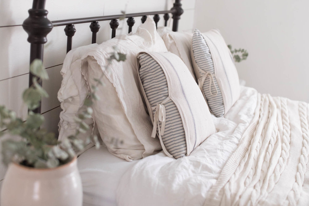 #sewing - DIY Grain Sack Ticking Stripe Pillow Cover from Farmhouse on Boone
