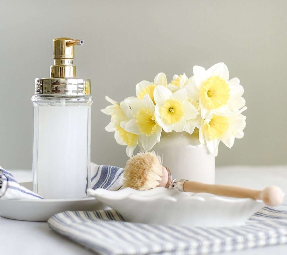 The most amazing green cleaning product! Everything you wanted to know about Castile soap! Learn what Castile soap is, how to use it, and tips and tricks for making it work for your home! boxwoodavenue.com #greencleaning #castilesoap #nontoxic