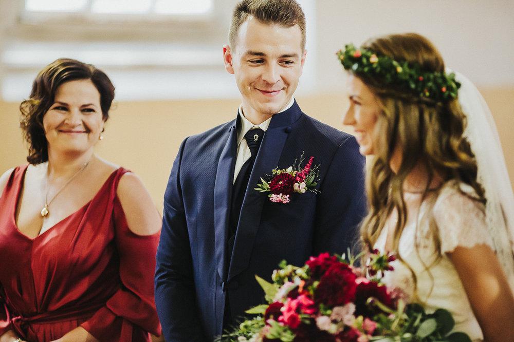 latviskas-kazas-latvian-wedding-ogres-baznica_0028.jpg