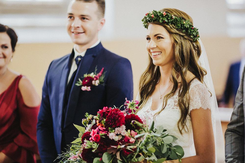 latviskas-kazas-latvian-wedding-ogres-baznica_0029.jpg