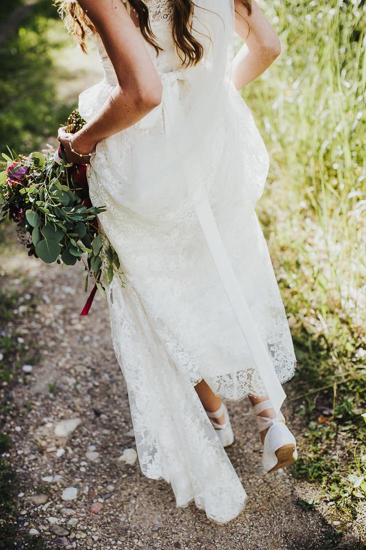 latviskas-kazas-latvian-wedding-ogres-baznica_0040.jpg