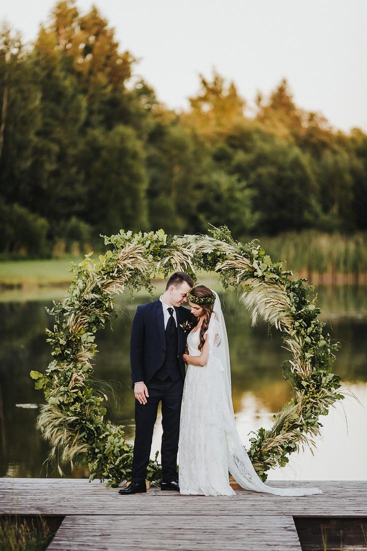 latviskas-kazas-latvian-wedding-ogres-baznica_0063.jpg