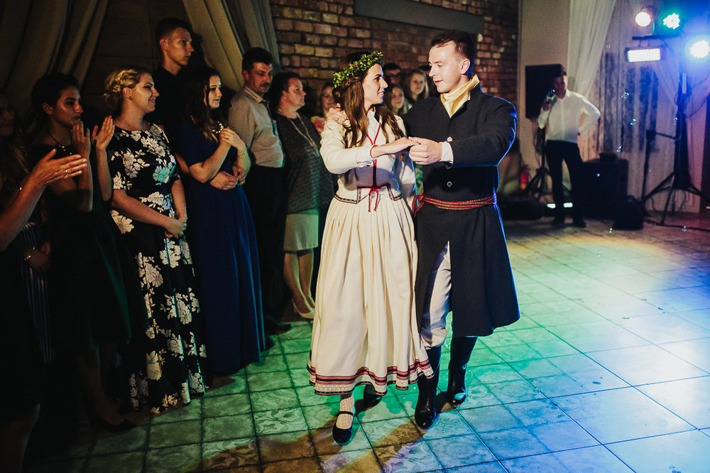 latviskas-kazas-latvian-wedding-ogres-baznica_0066.jpg