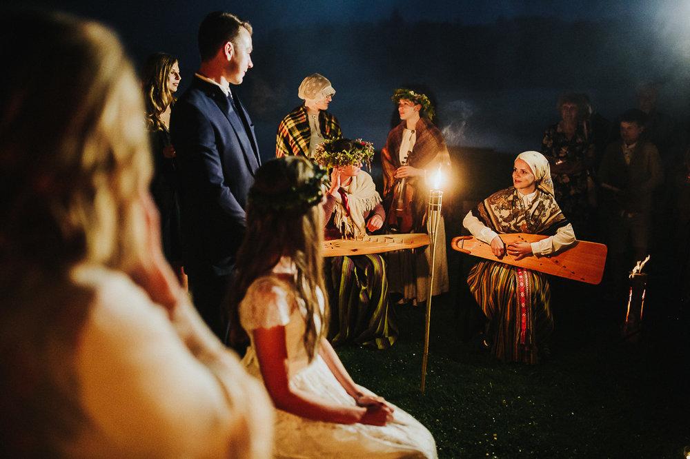 latviskas-kazas-latvian-wedding-ogres-baznica_0080.jpg