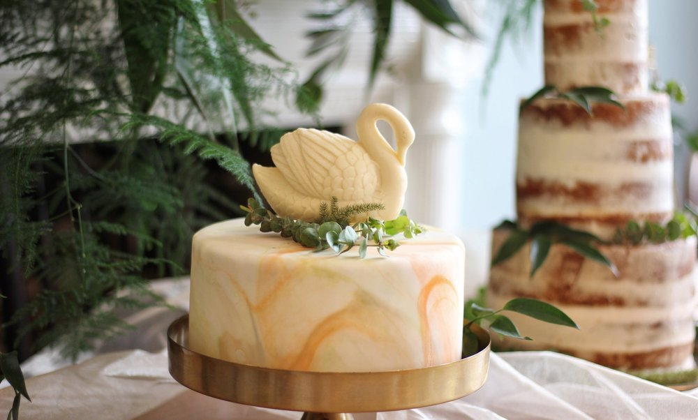Swan Cake Topper.jpg