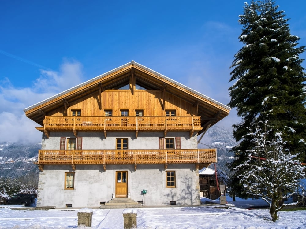 Le-Badney-Alpine-Chalet-Sunshine-Yoga-Wellbeing-Escape-Retreat-Venue-1024_767.jpg