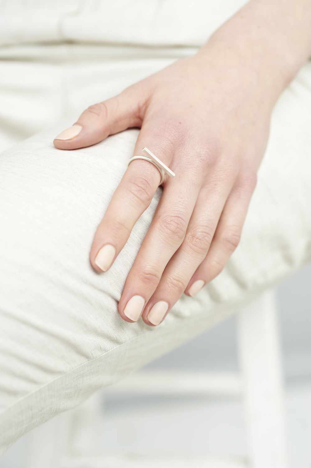 single-bar-ring-matte-silver