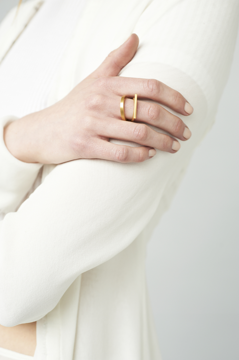 single-bar-ring-matte-gold