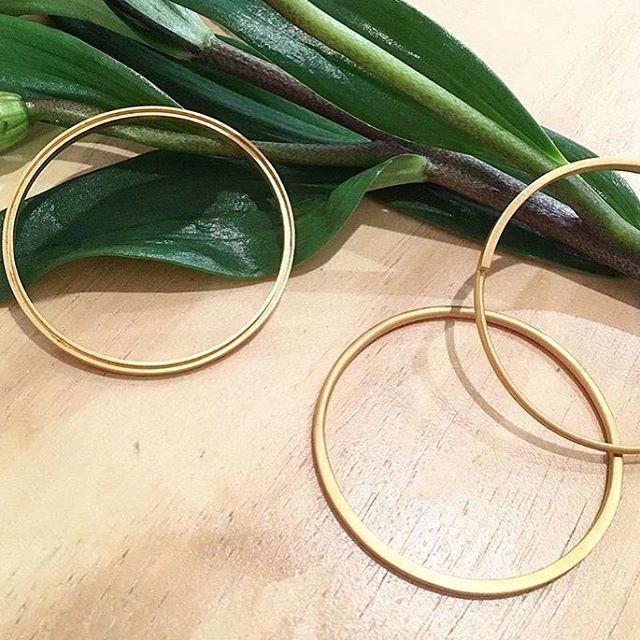 Grooving this Easter weekend with our signature Bangles found at the one and only @parlaonline in Shoreditch.
