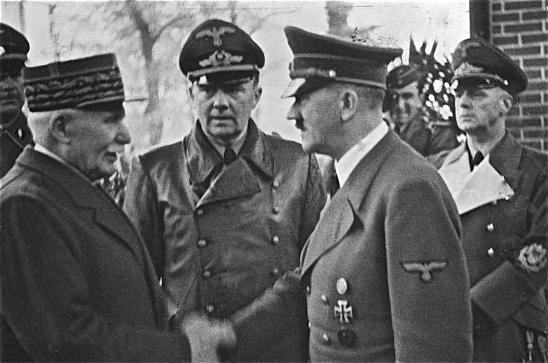 Pétain saludando a Adolf Hitler