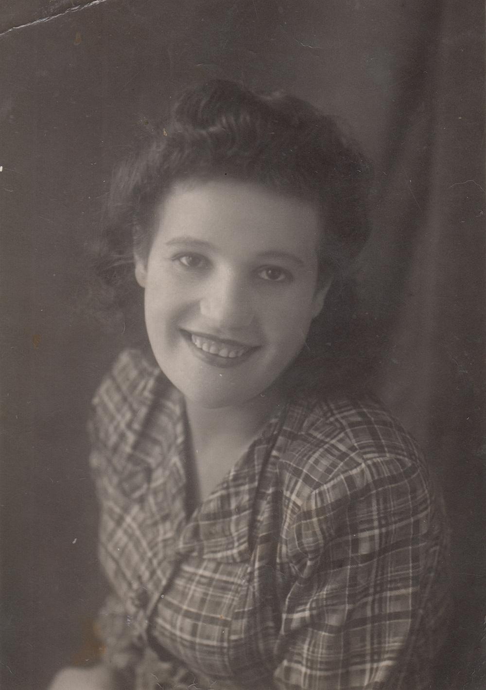 Portrait of Asya Gindina. Chirchik.   1948
