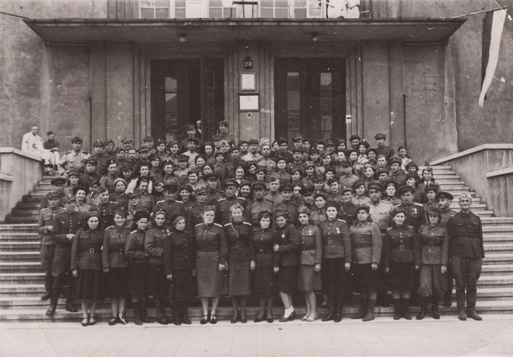 Hospital staff 3299, Polish Division.