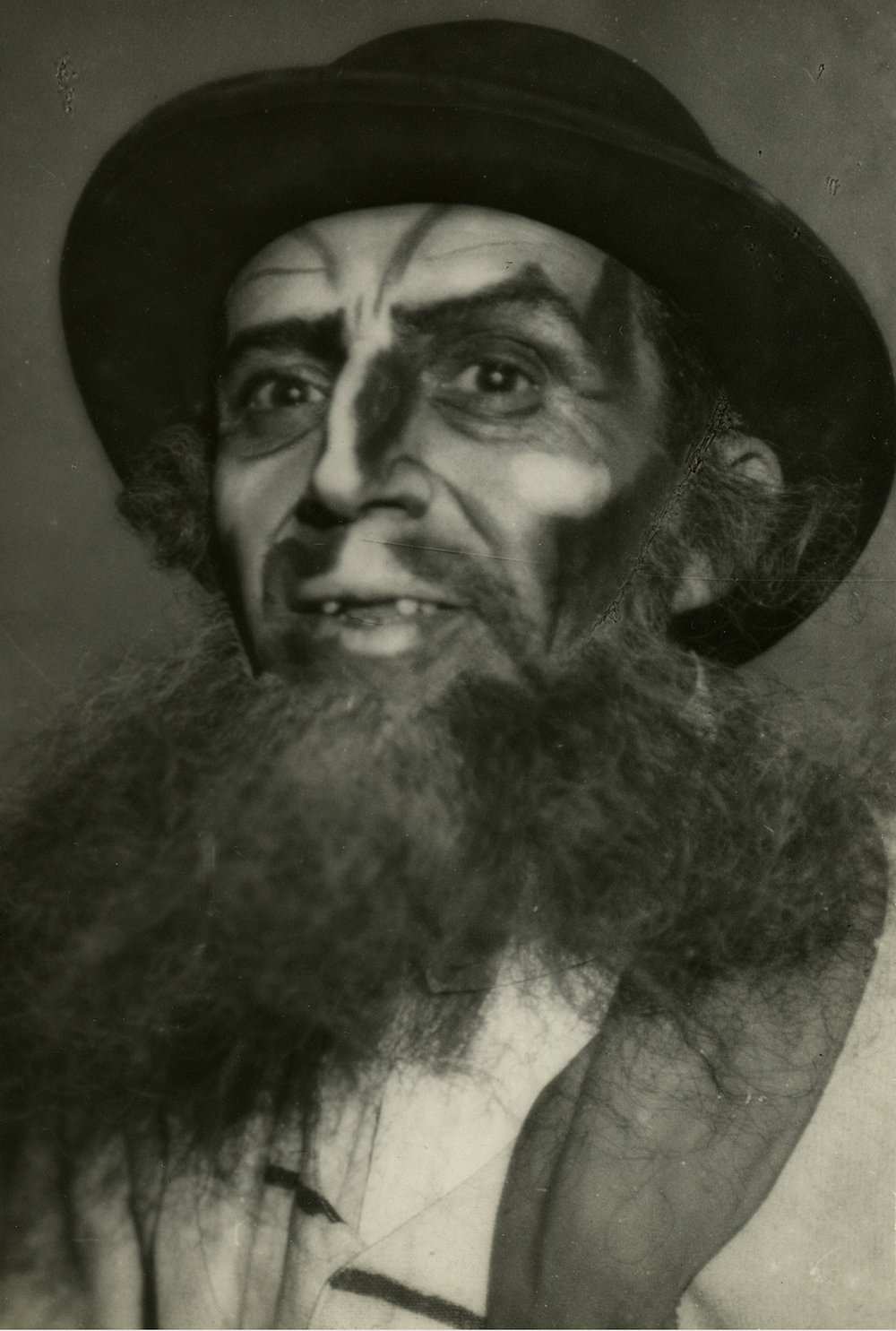 Photograph of Moscow State Yiddish Theatre actor in makeup.