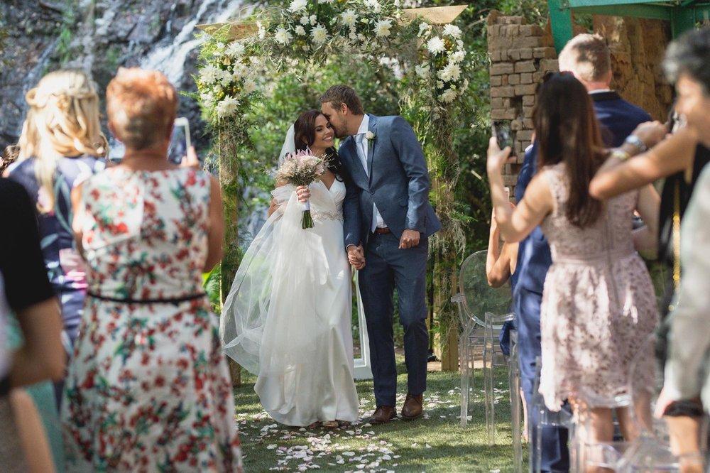 christopher-shelly-cascade-manor-wedding-photography-john-henry-bartlett-vert-023.JPG