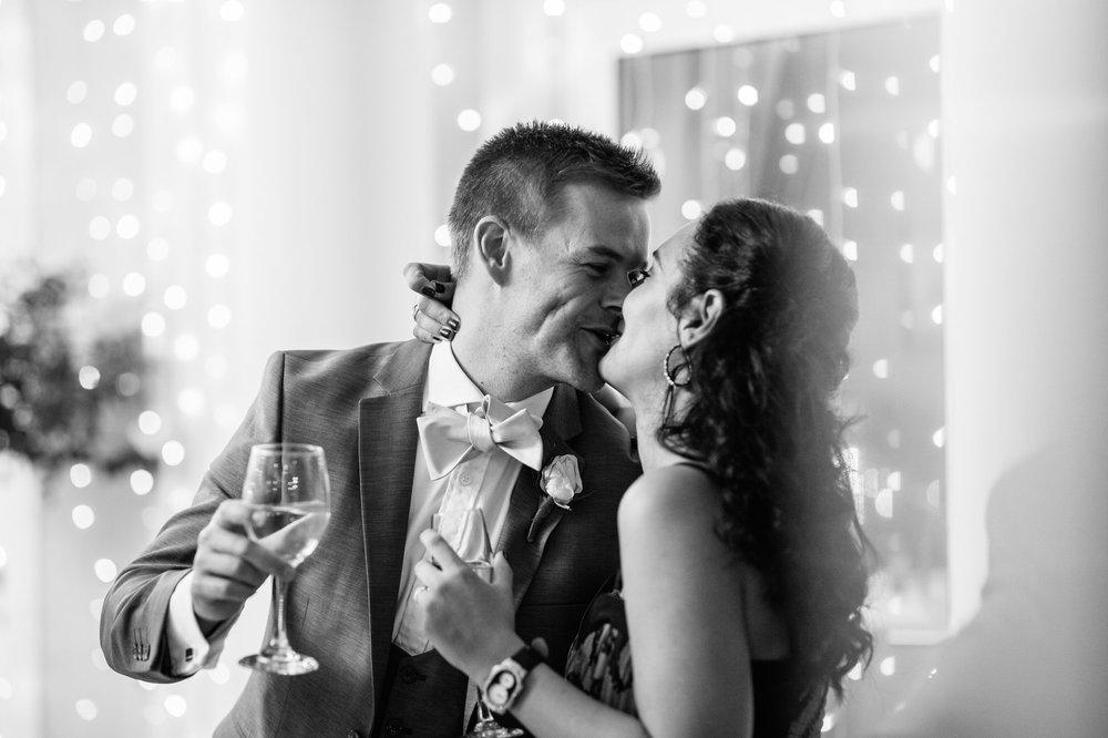 christopher-shelly-cascade-manor-wedding-photography-john-henry-bartlett-vert-071.JPG