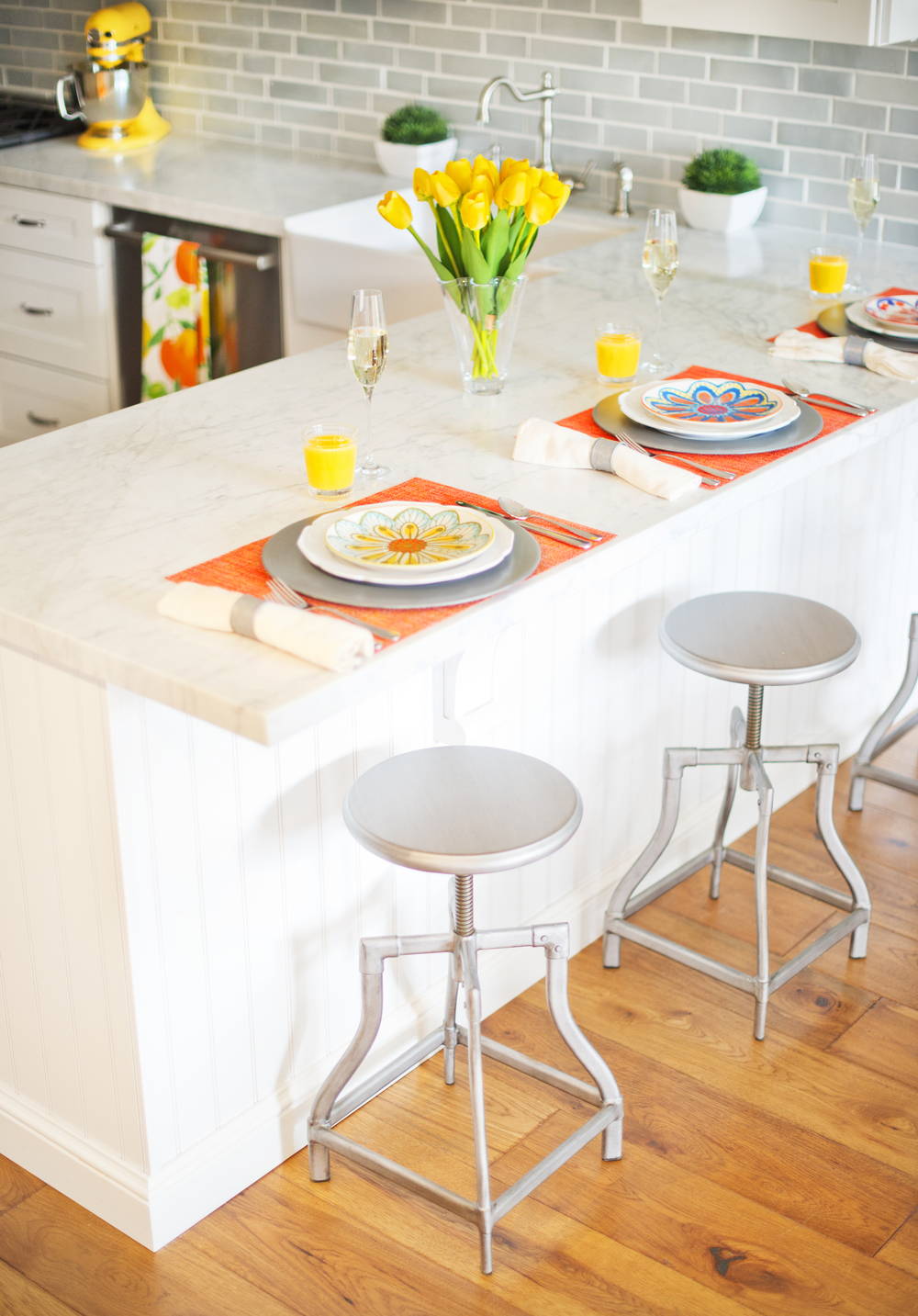 Sun-Kissed Spring Breakfast~ My Splendid Living teamed up with Crate & Barrel to kiss this white kitchen with bold pops of Spring color.