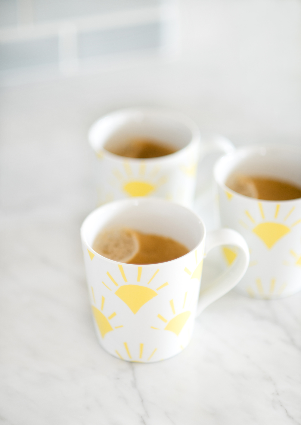 Sun-kissed Spring Breakfast~ Morning pick me up in Sunrise mugs from Crate & Barrel. Head over to the blog to see details from My Splendid Living and Crate & Barrel's collaboration.
