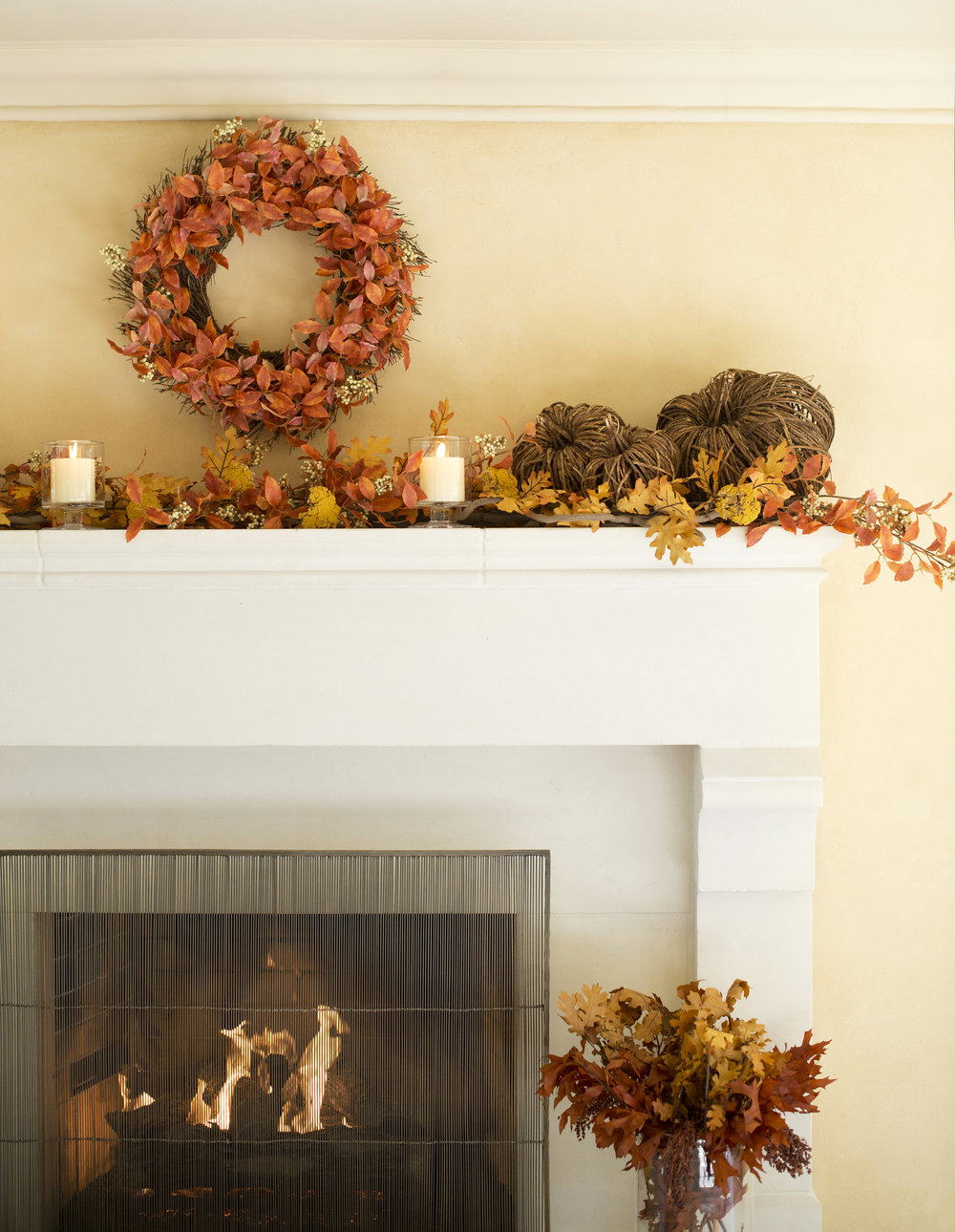 My Splendid Living partnered with Crate & Barrel for this Rustic Fall Fireplace inspiration! #cratestyle #fallfireplace