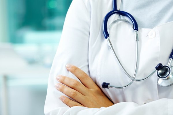 woman-doctor-stethoscope.jpg