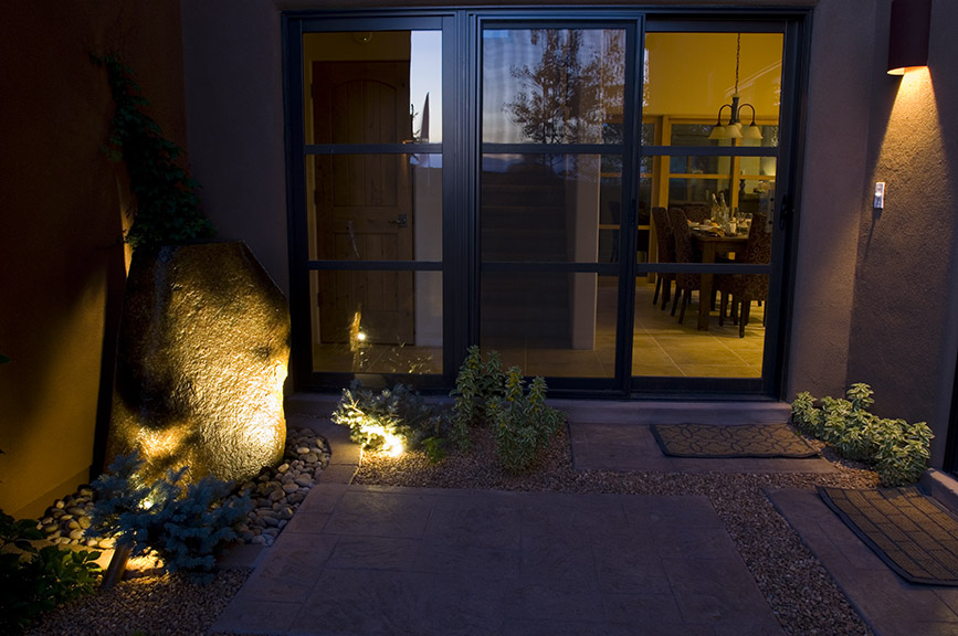 Courtyard water feature lighting