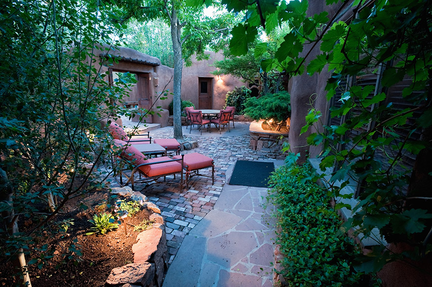 Courtyard Landscape Lighting Design