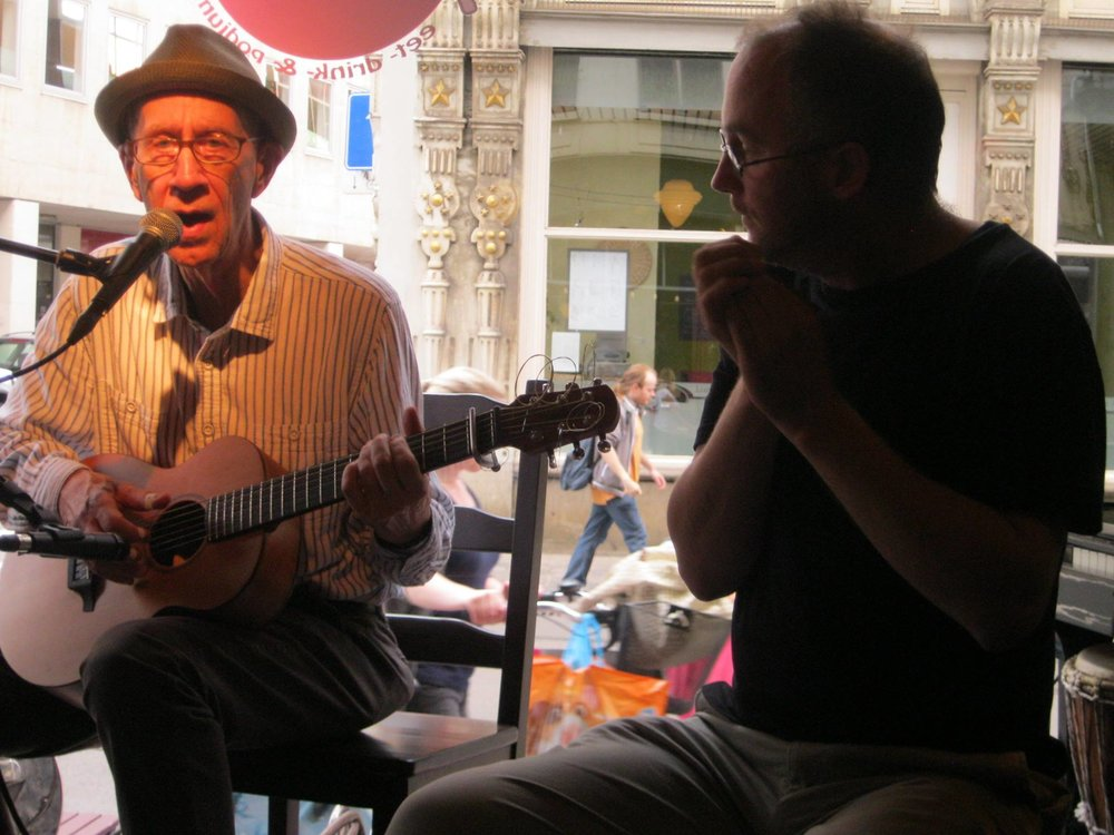 With De Peet on harmonica in Antwerp, Belgium.