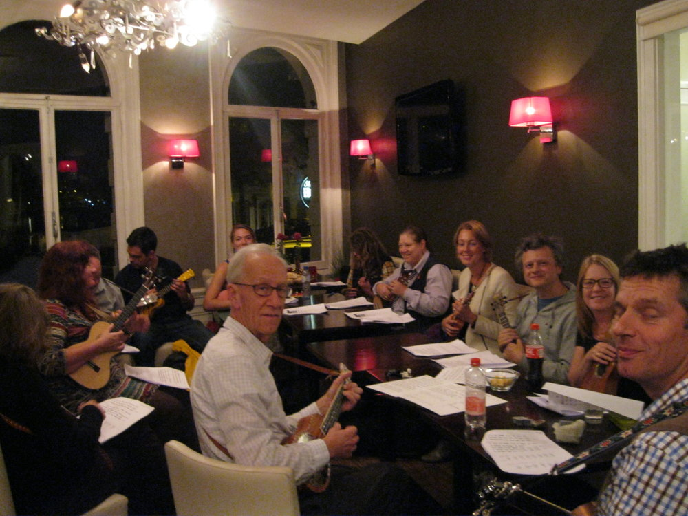 Giving ukulele workshop Amsterdam, Holland 2015.