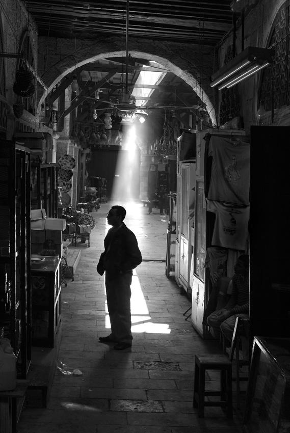 090001_DSC1883-Cairo-Market-solitary-schene.jpg