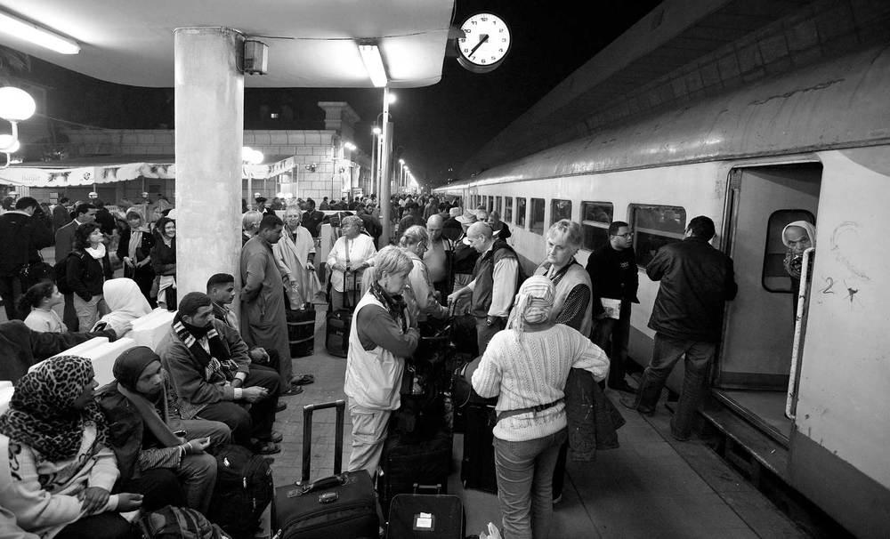 090100_DSC1961-Cairo-Night-Train-Station-Scene.jpg