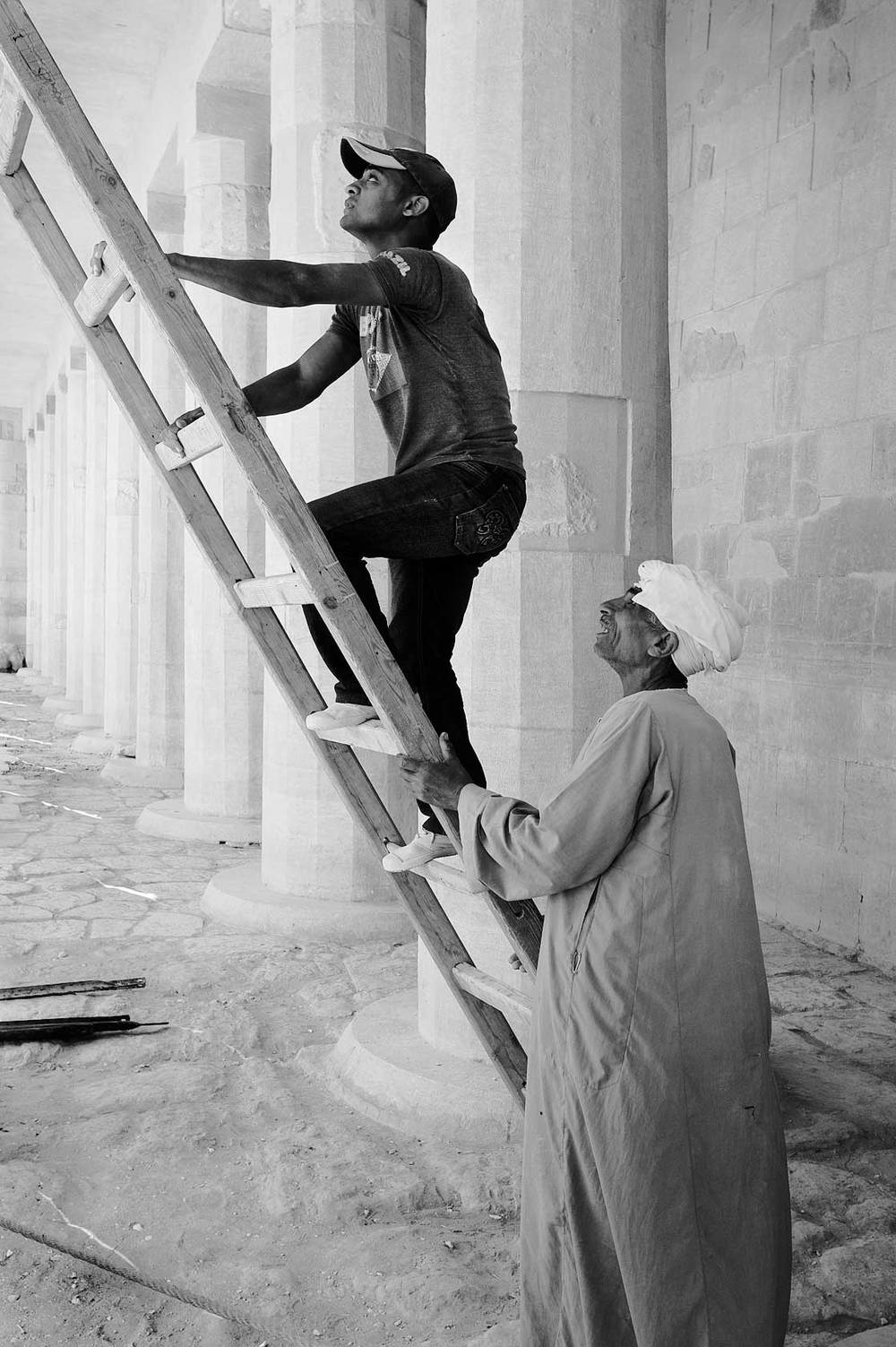 090100_DSC2871---workers-and-ladder.jpg