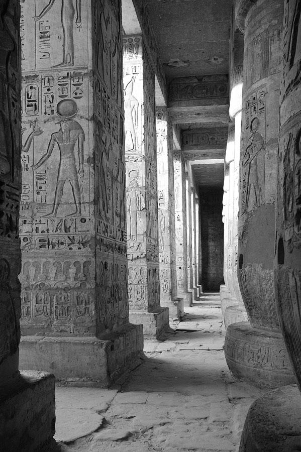 090100-Temple-Collonade-DSC-3615.jpg