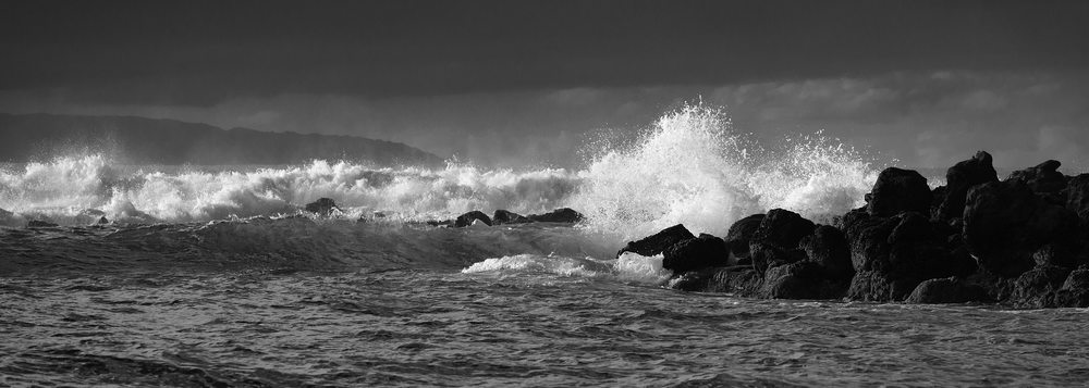 130117-Molokai---Dixie-Maru-Beach-with-view-to-Oahu-Grayscale-version_0560.jpg