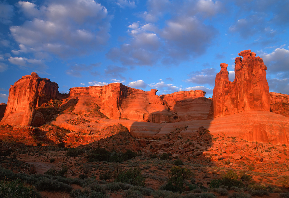 040514 Arches - the 3 Gossips.jpg