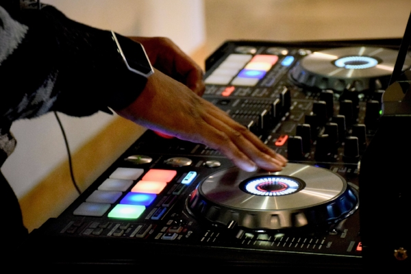 DJ Night - Watch the Top of the Hill dining room transform into your favorite dance floor every Thursday & Saturday night at 11PM. With the DJs from Jukebox Heroes providing entertainment, you'd better bring your dancing shoes.