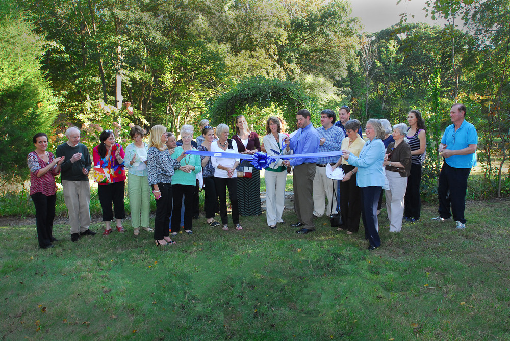 Ribbon cutting at the Bodhi Clinic