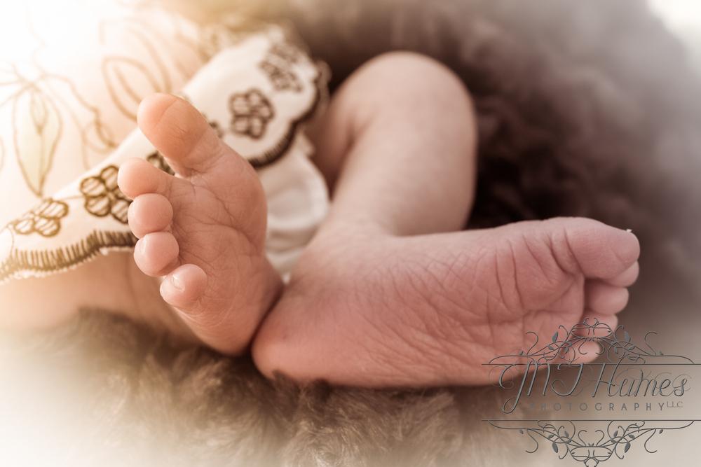 Little Miss Lilly's feet