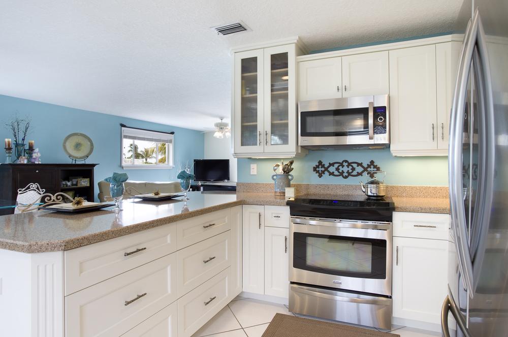 Thibos Kitchen 2.jpg