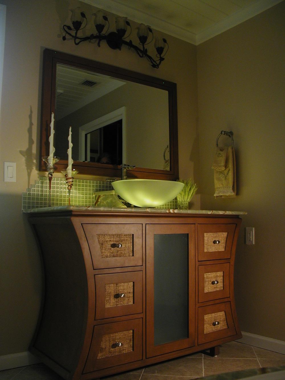 Zuba Hse 1 M Bath Vanity 2.JPG
