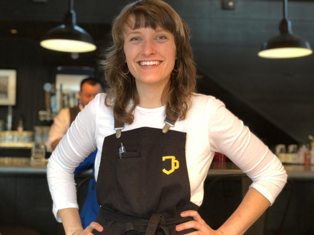 2018-03-17 18.08.34-waitress-apron-retouched.jpg