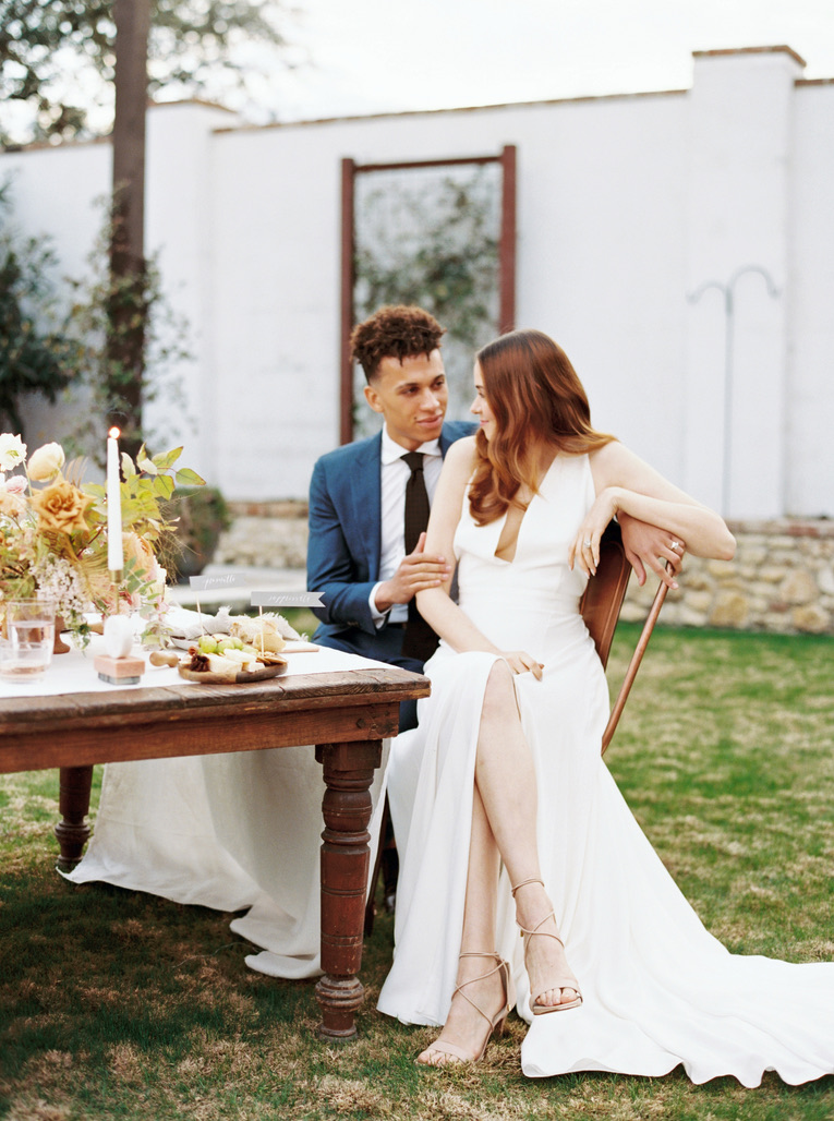 romantic modern wedding in austin, tx
