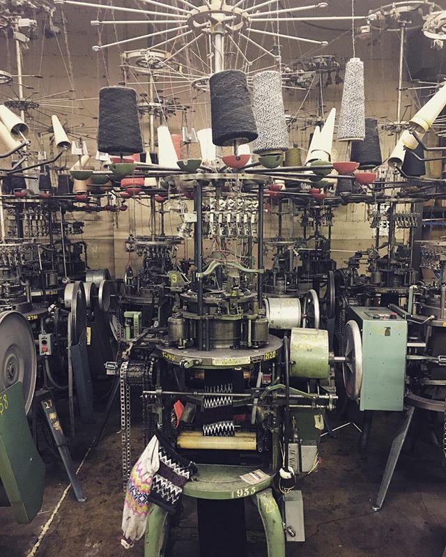 Checking in on our winter 2017 beanie line today at the manufacturer in western NJ... USA made knit caps are spun through these old-fashioned contraptions, programmed entirely by hand simply by adjusting needle counts, a series of chains, and colored yarns. 🇺🇸🇺🇸🇺🇸 #MadeInTheUSA #jettylife #drawyourownline @thejettylife
