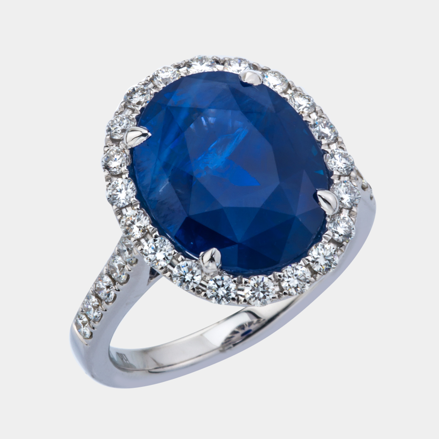 Fine quality sapphire ring